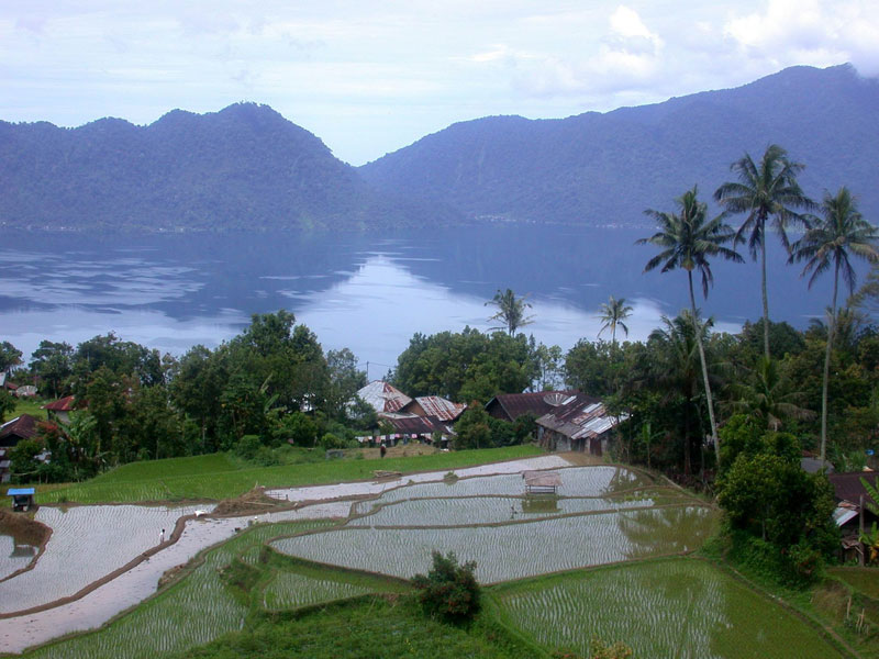 Indonesia The Most Beautiful Places In Asia Lake Maninjau