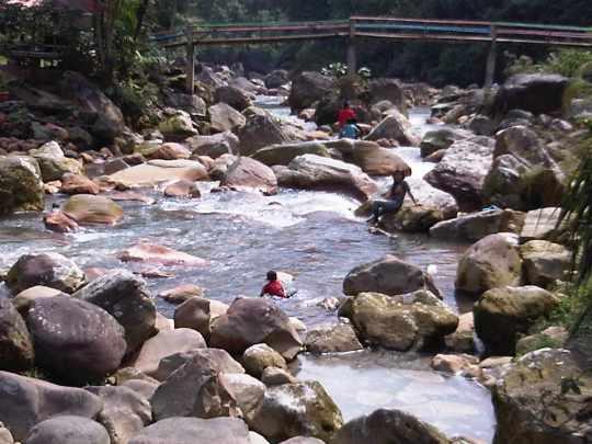 tempat pemandian air panas Ciparay gunung salak endah bogor